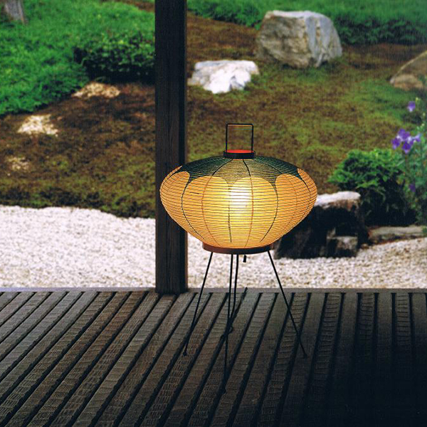 Akari Light Sculpture 9AD ambiance
