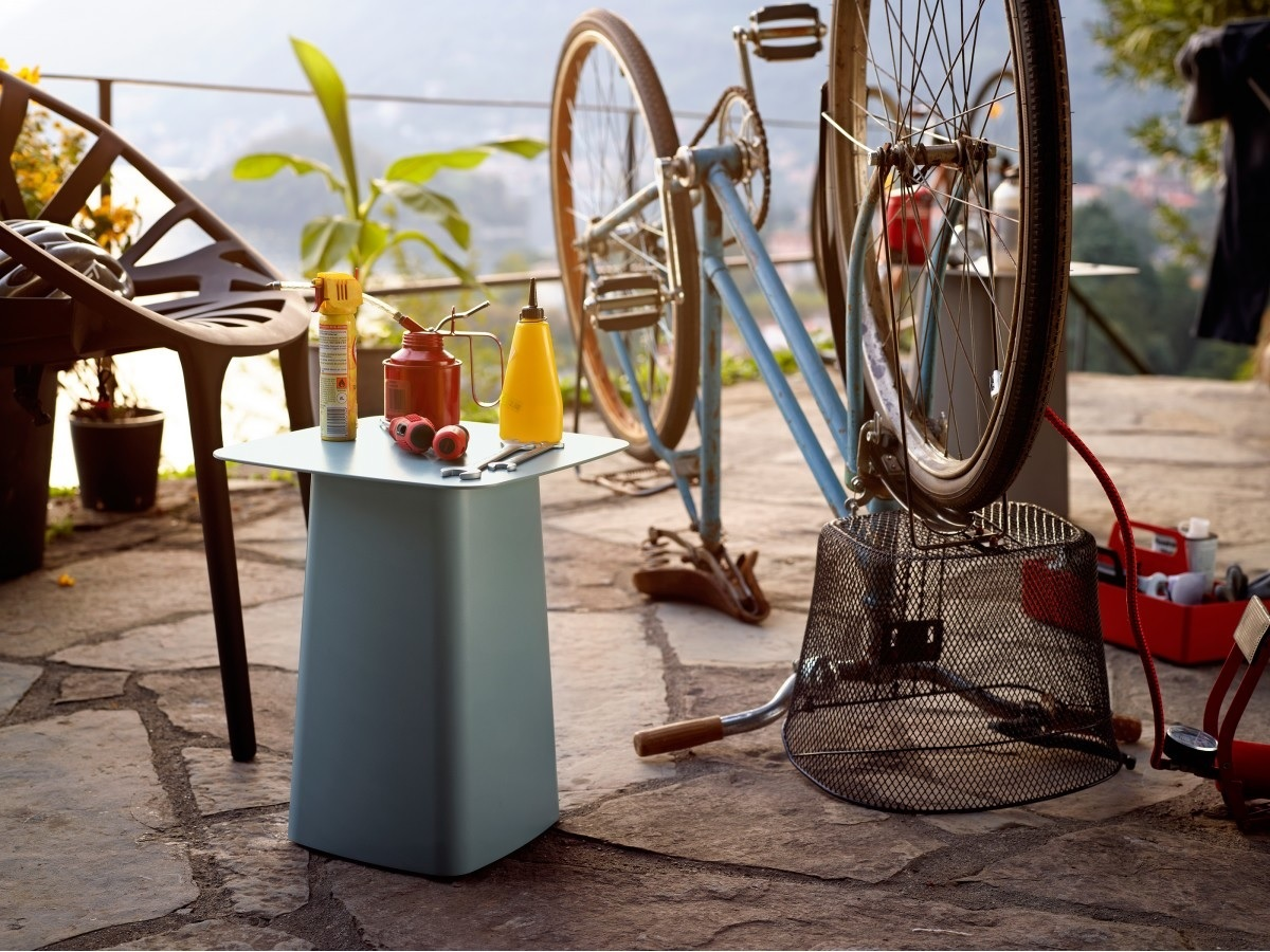 Metal Side Table Outdoor ambiance