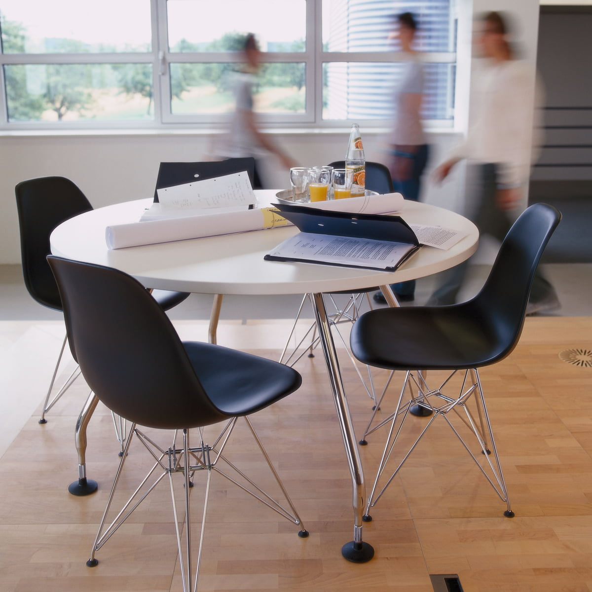 eames plastic armchair dsr 4 anthamatten meubles sa v troz valais suisse. Black Bedroom Furniture Sets. Home Design Ideas