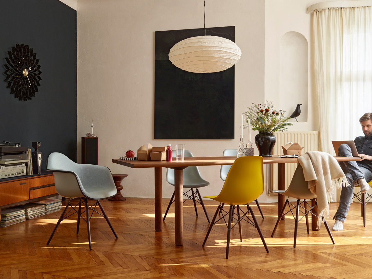 Eames Plastic Side Chair DSW ambiance 5