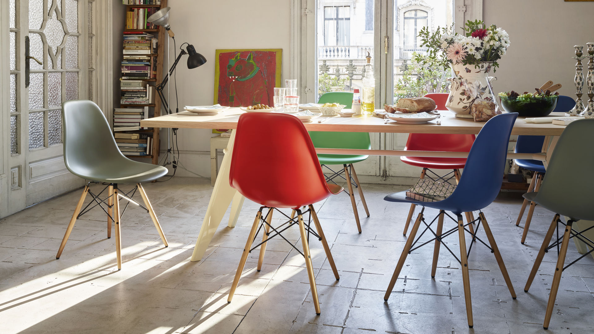 Eames Plastic Side Chair DSW ambiance 2